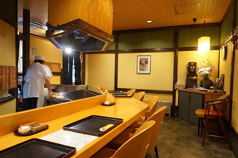 天ぷら専門店 天賀(てんよし)カウンター席