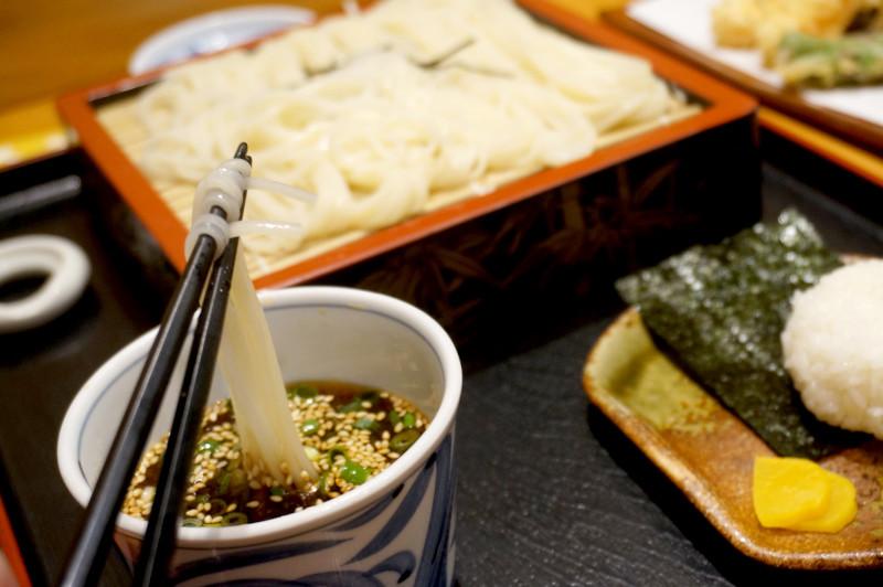 天ぷら専門店 天賀(てんよし)稲庭うどんとつゆ