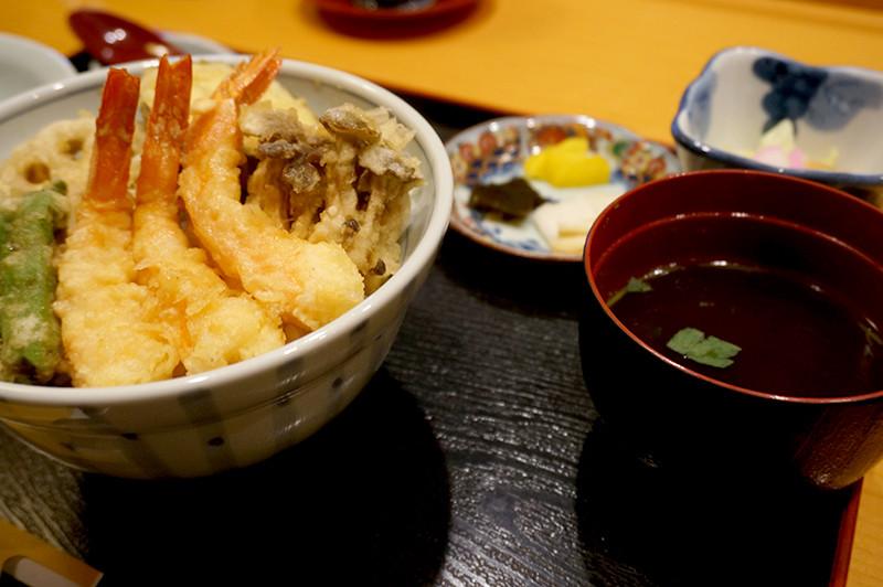 天ぷら専門店 天賀(てんよし)天丼