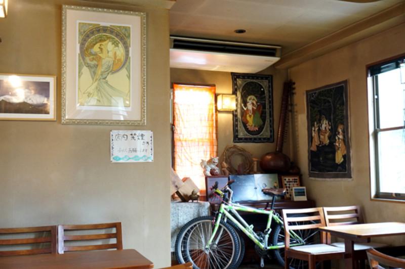 カレー・喫茶店 クリシュナハウス 店内全体