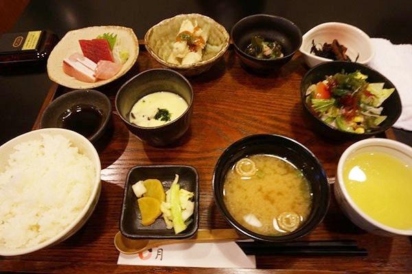 「魚菜 稲月」の彩り小鉢