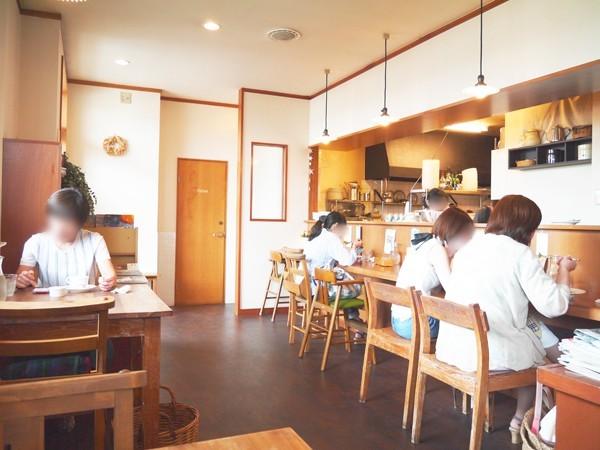本とカフェの三日月堂