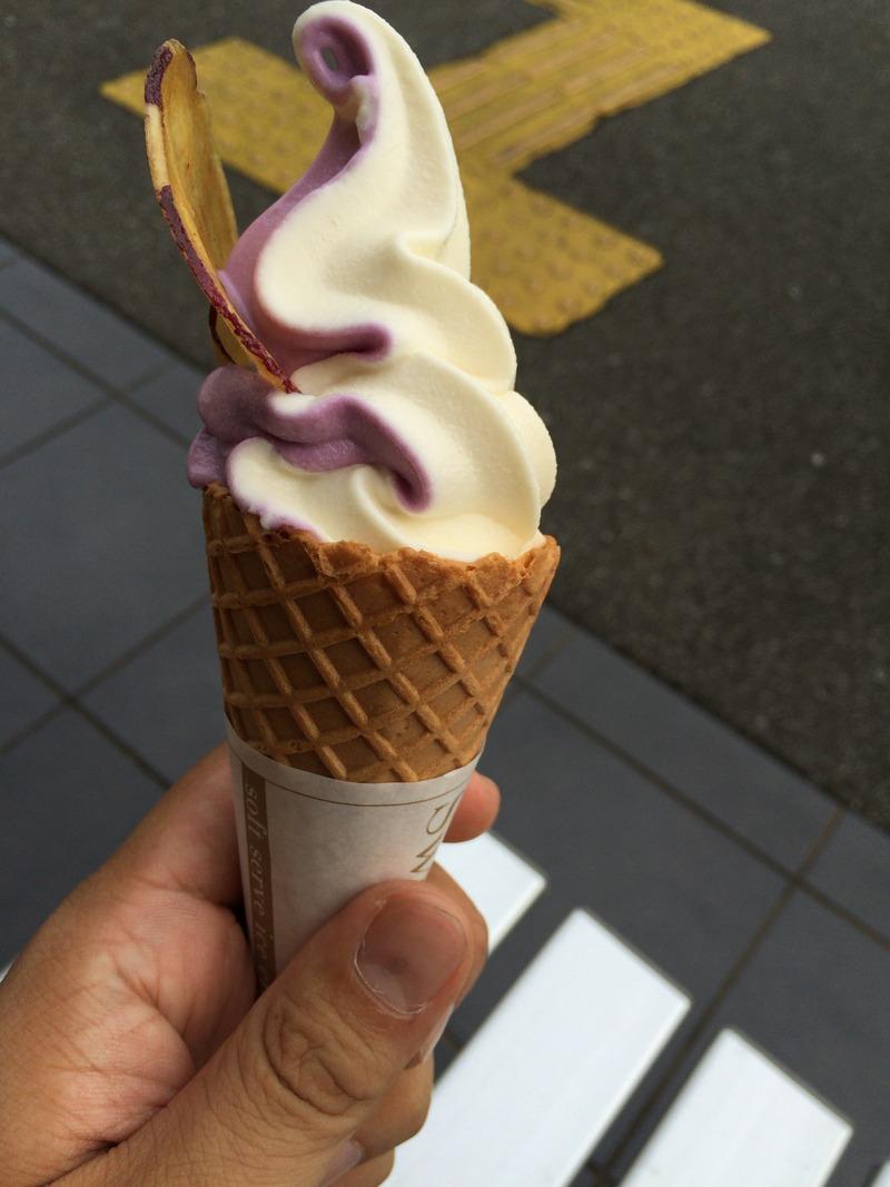 芋屋金次郎の紫芋ソフトクリーム