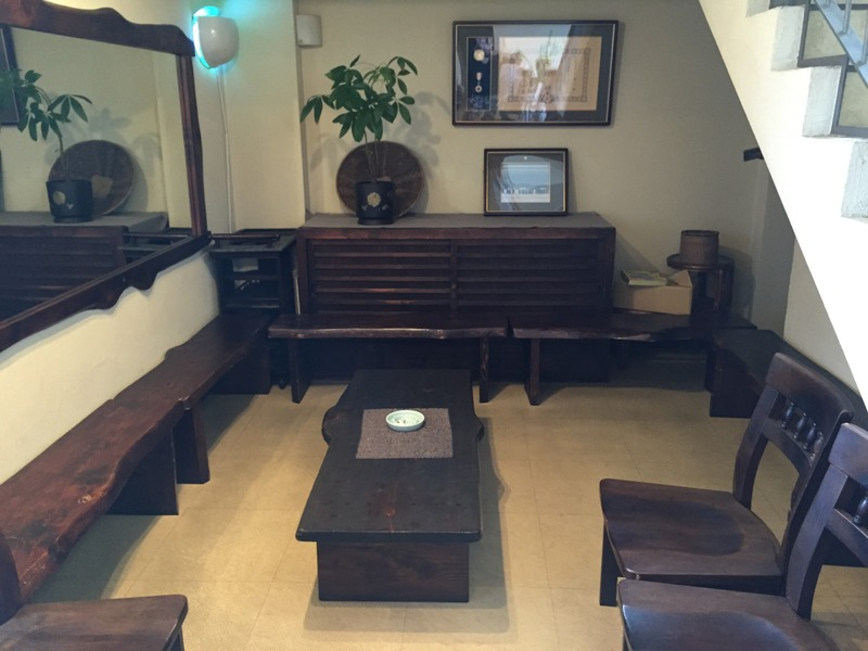 中華料理店の老舗「華珍園 別館」の待合スペース