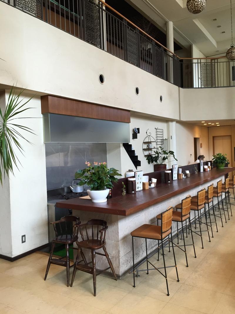 中華料理店の老舗「華珍園 別館」のカウンター席