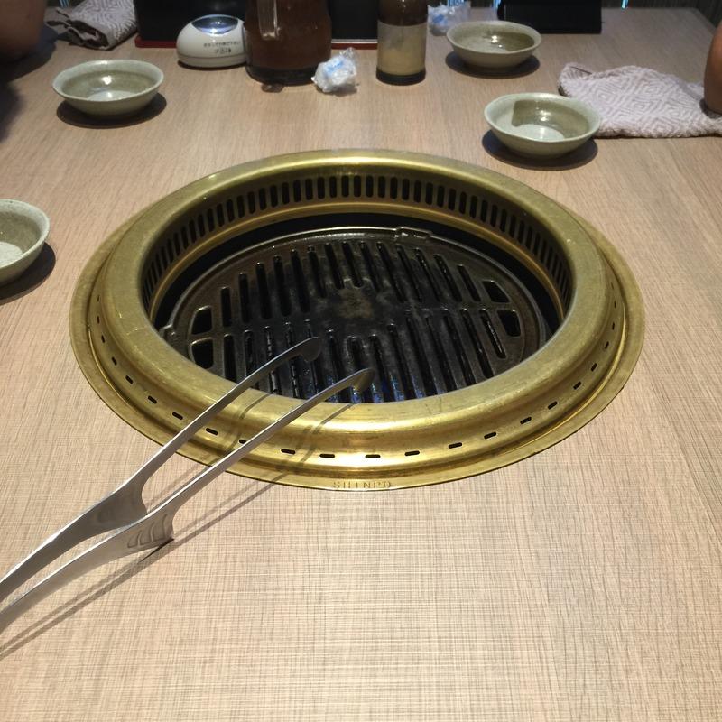 焼き肉なかごし 神田店の店内2