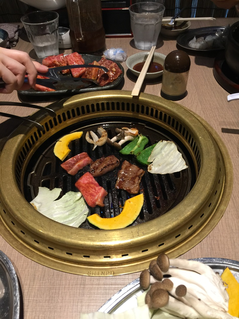 焼き肉なかごし 神田店で焼き肉