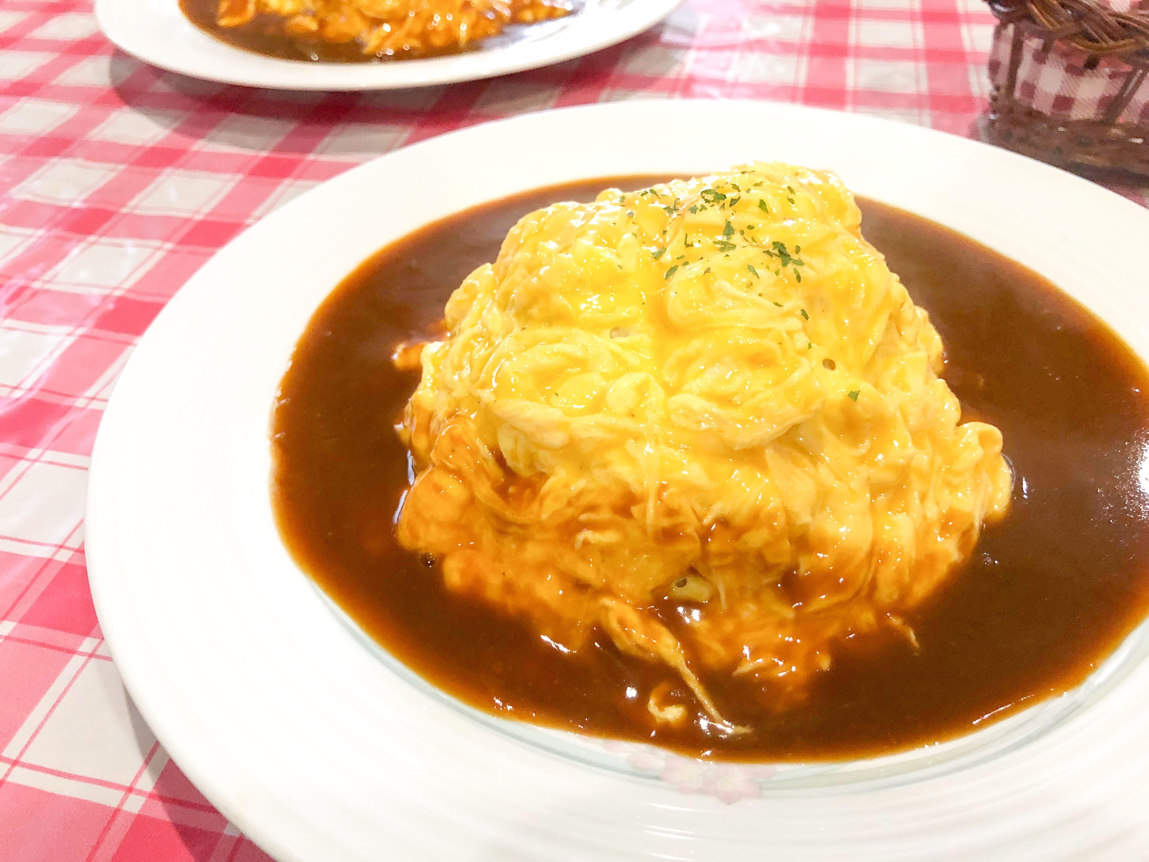 高知市のカフェレストすみれのオムライスの画像