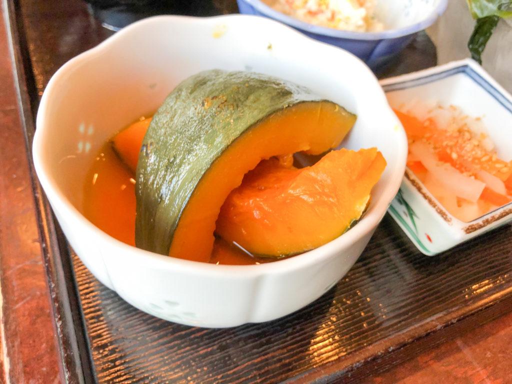 高知市の西村商店のかぼちゃの煮付け