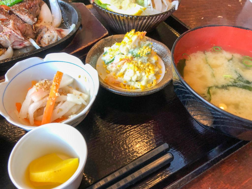 西村商店の定食の副菜